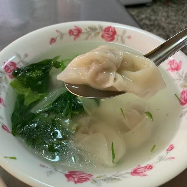 台南北區徐家酸菜麵店餛飩湯