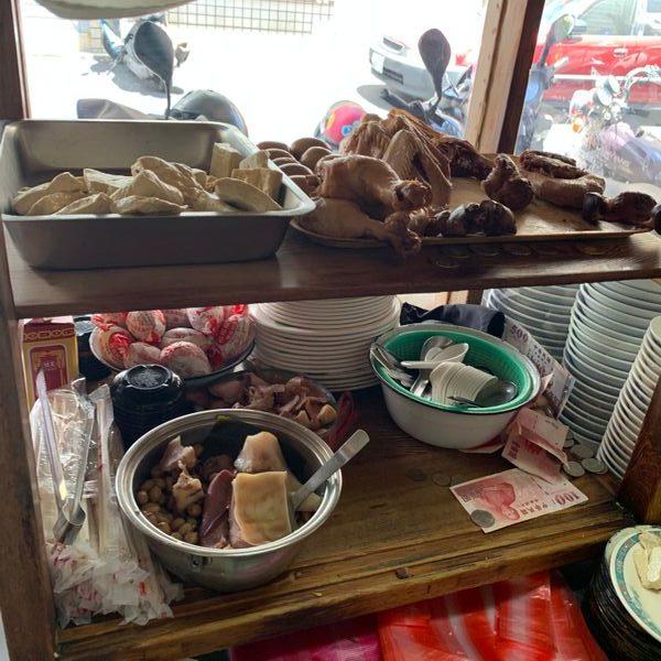台南北區徐家酸菜麵店滷味。台南滷味推薦