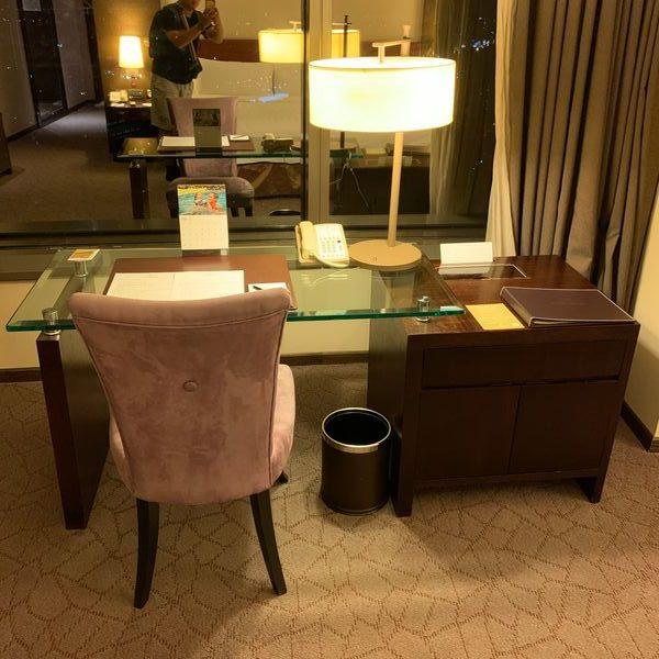 香格里拉台南遠東國際大飯店辦公桌