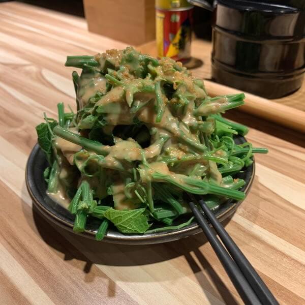 [台北中和] 藏味拉麵。捷運景安站美食。巷弄中濃厚純正日本拉麵。胡麻龍鬚菜