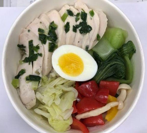 [台北古亭] 老號食廚。古亭健康餐盒。上班族的健康從吃開始。刺蔥水嫩雞