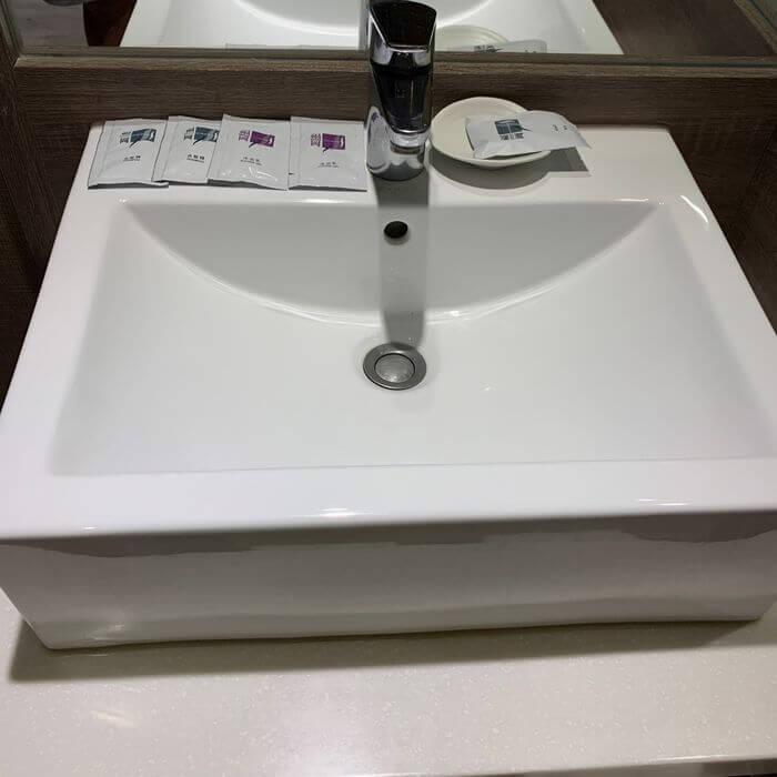 [礁溪住宿] 福岡6號溫泉飯店。洗手台