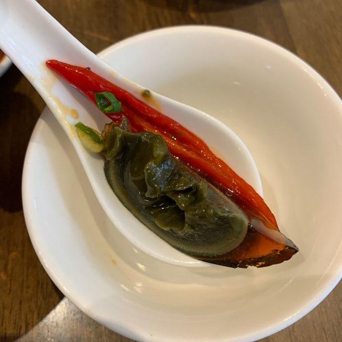 [中永和美食] 五草車中華麵食館永和店。燒椒皮蛋怎麼吃