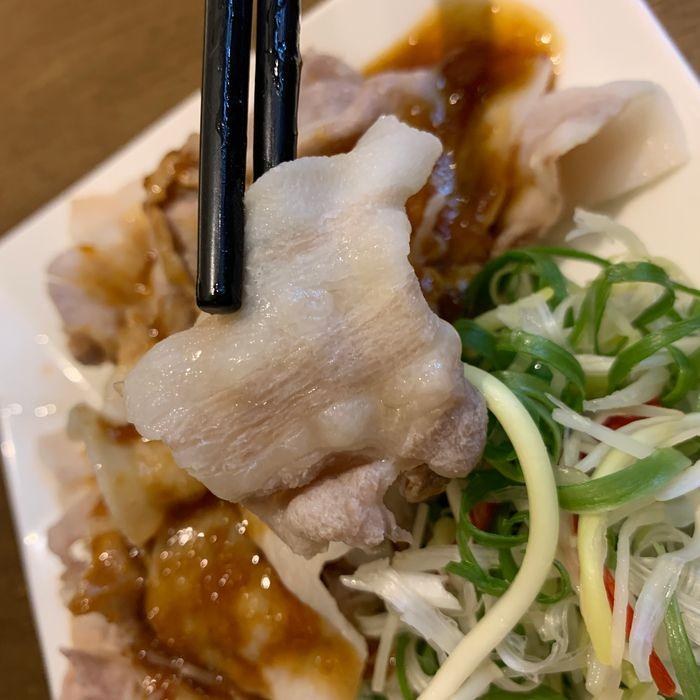 [中永和美食] 五草車中華麵食館永和店。蒜泥白肉片
