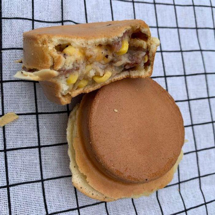 [新竹甜點] 路易獅紅豆車輪餅。小豬披薩