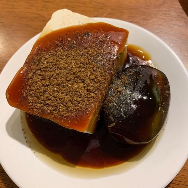 黑皮驊魯肉飯皮蛋豆腐
