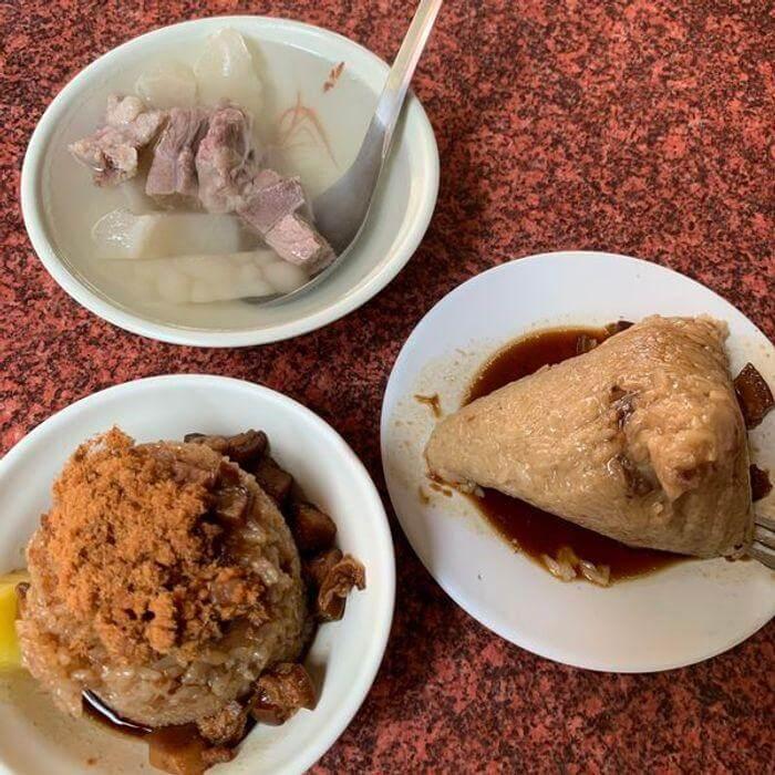 [台南美食]光明街無名肉燥飯麵攤。台南東興路筒仔米糕肉燥飯麵攤推薦。
