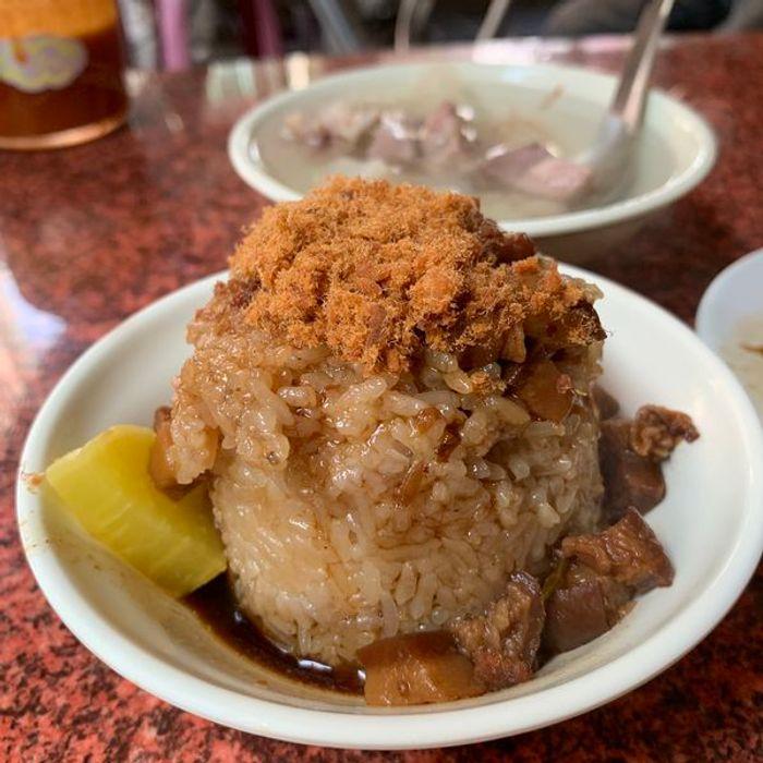 [台南美食]光明街無名肉燥飯米糕