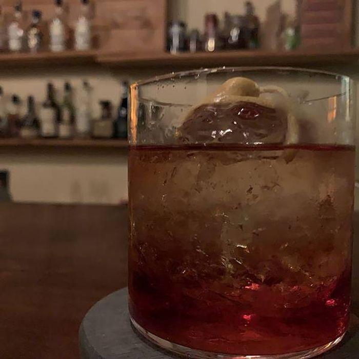 桃園酒吧推薦/偉朋雪茄館。Vesper Cigar Bar。桃園經國路酒吧。VESPER酒
