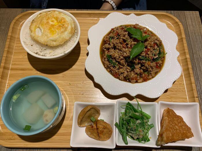 新竹竹北泰式異國料理/505THAI泰式定食/打拋豬定食