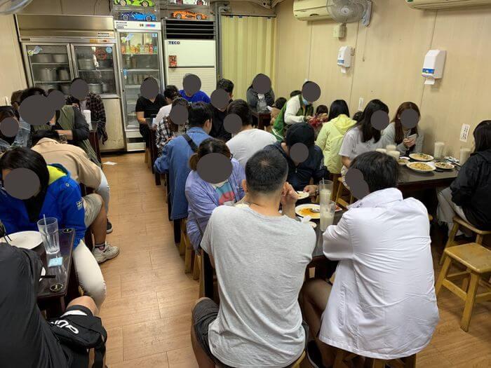 新竹阿婆早餐麵店/十八尖山新竹高中附近美食早餐午餐推薦/美味的背後藏著令人動容的堅毅故事/內用區域