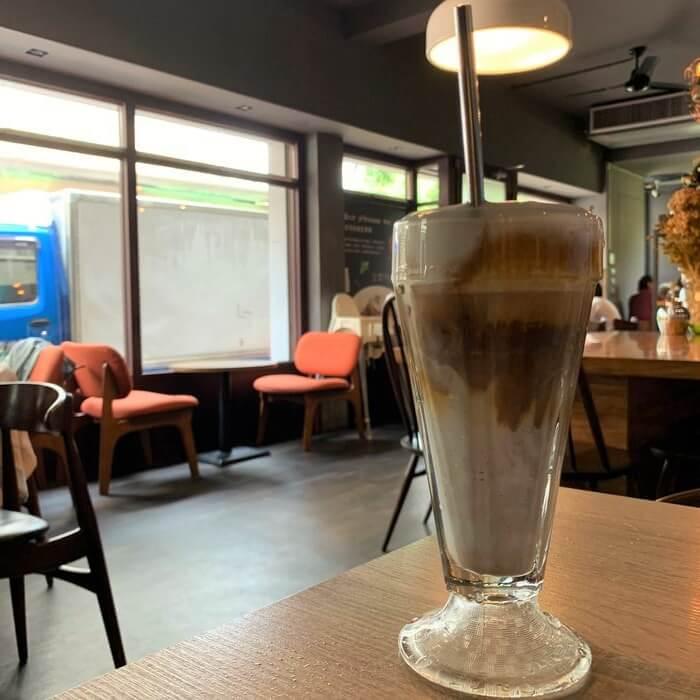 台南東區成大附近咖啡廳/開普3號店冰拿鐵