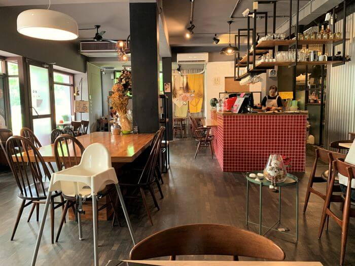 台南東區成大附近咖啡廳/開普3號店內用座位