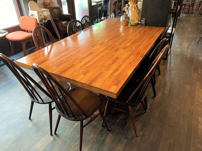 台南東區成大附近咖啡廳/開普3號店適合辦聚會的大桌子