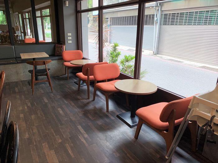 台南東區成大附近咖啡廳/開普3號店雙人座位/成大附近有插座的咖啡廳