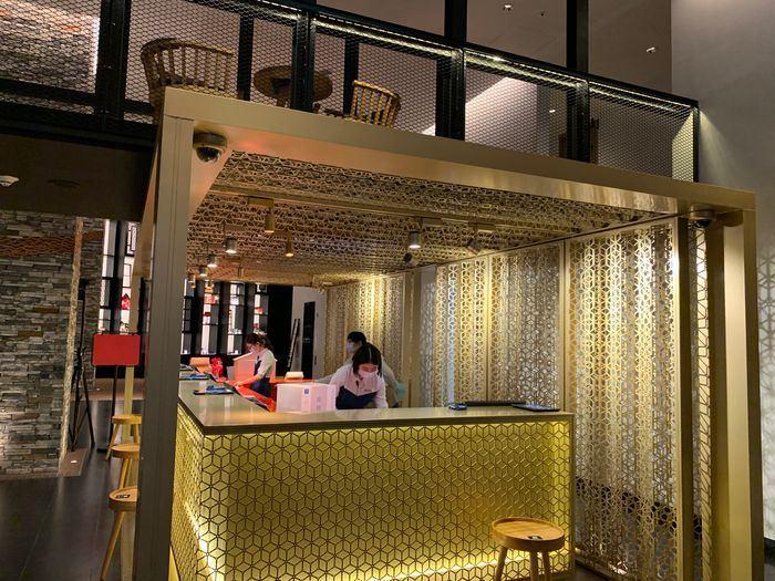 台南東區住宿/老爺行旅The Place Tainan/台南住宿飯店酒店推薦/設計風格結合在地元素飯店報到櫃台
