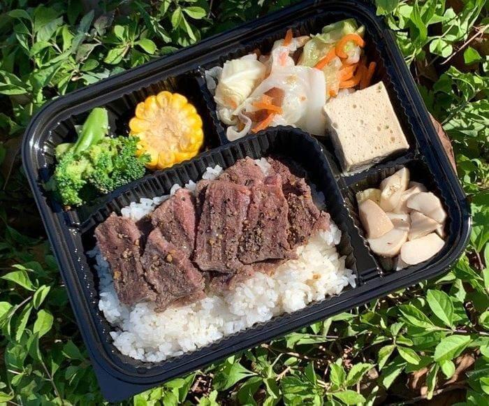 新竹會議便當外送推薦/飛航模式餐盒專賣店/竹南也有送噢/嫩肩牛排