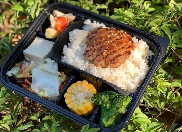 新竹會議便當外送推薦/飛航模式餐盒專賣店/竹南也有送噢/德式漢堡排