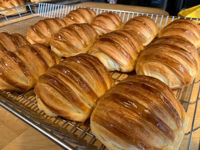 新竹竹北早午餐推薦/二十四分之一早午餐手作麵包/巧克力可頌