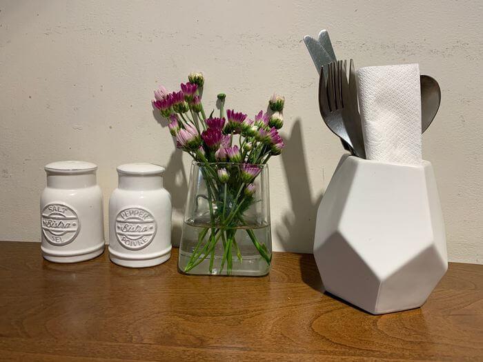 新竹竹北早午餐推薦/二十四分之一早午餐手作麵包/桌面擺設
