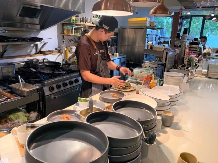 新竹竹北早午餐推薦/二十四分之一早午餐手作麵包/廚房