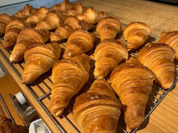新竹竹北早午餐推薦/二十四分之一早午餐手作麵包/原味可頌
