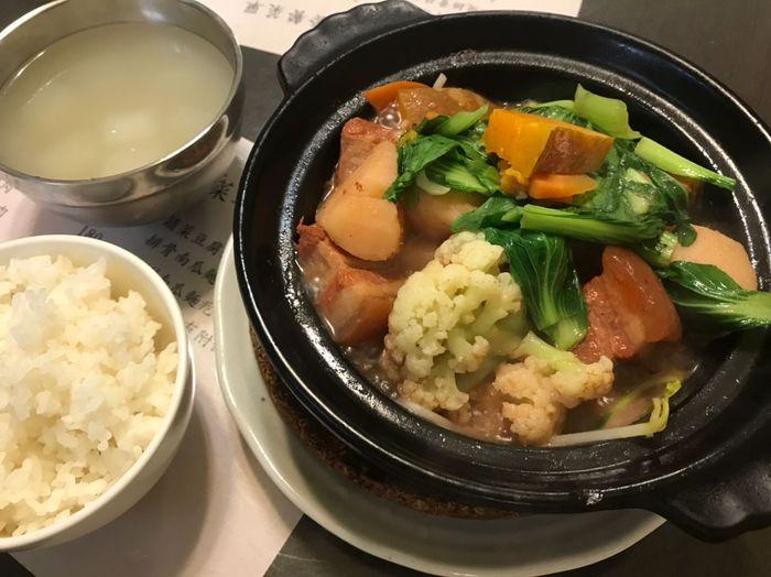 中永和永安市場捷運站美食推薦/眷村陶鍋菜/滾燙上桌的好味道每道鍋都附白飯跟湯
