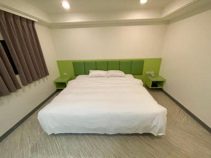 花漾時尚旅館/新竹竹北附近休息推薦/雙人房床