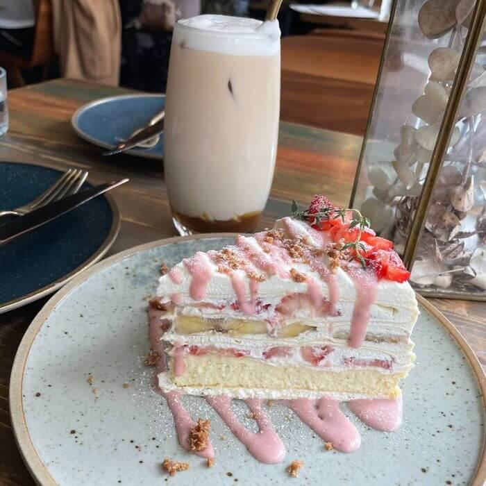 OZ Cafe & Bistro/台北信義區捷運象山101站附近早午餐推薦/季節限定千層蛋糕/