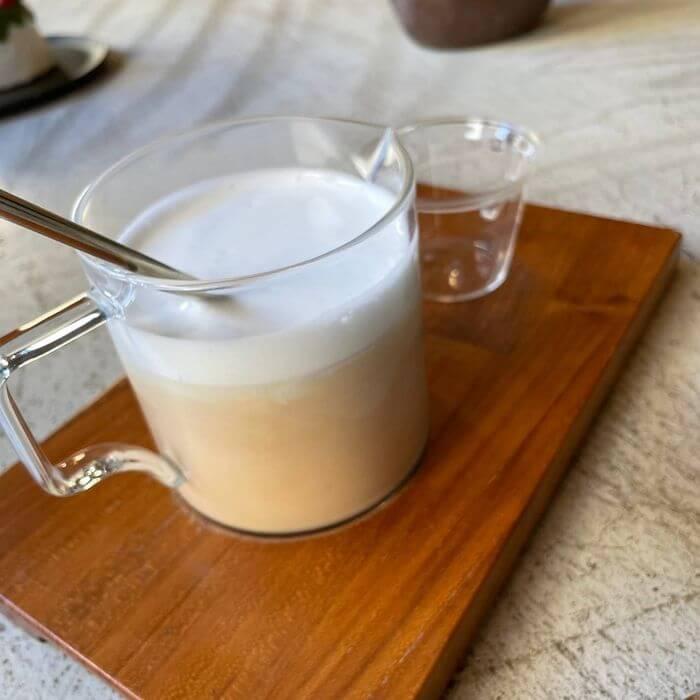 新竹不限時咖啡廳推薦/貳參咖啡/窨茶花鮮奶茶