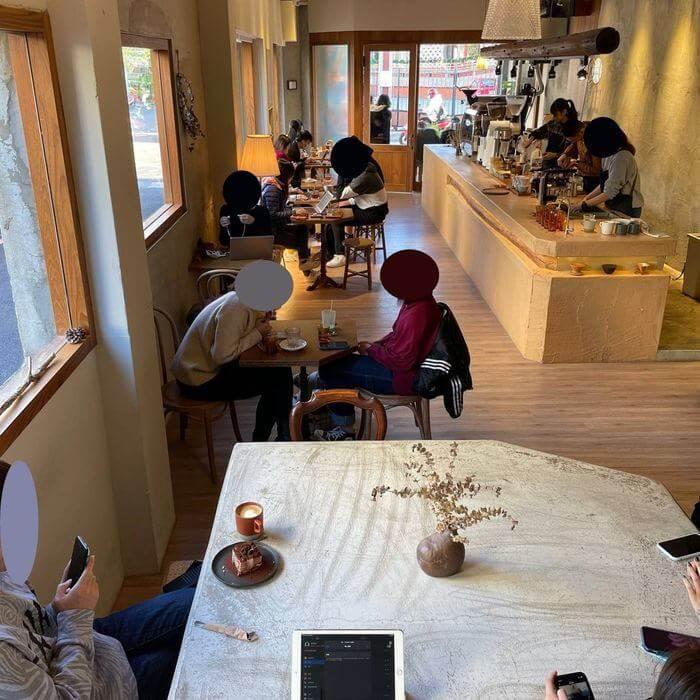 新竹不限時咖啡廳推薦/貳參咖啡/一樓座位區