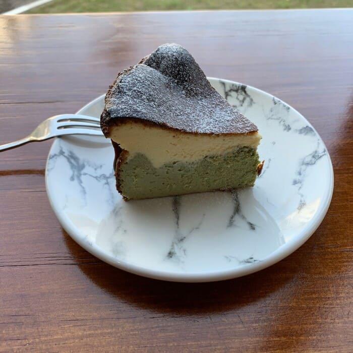 [新竹竹北早午餐]野橘香意識咖啡/下午茶推薦/限定雙層抹茶巴斯克