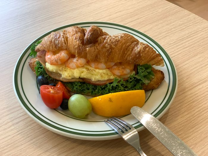 Basement Cafe/新竹韓系質感咖啡館/新竹公道五路推薦早午餐下午茶咖啡廳/鮮蝦嫩蛋可頌
