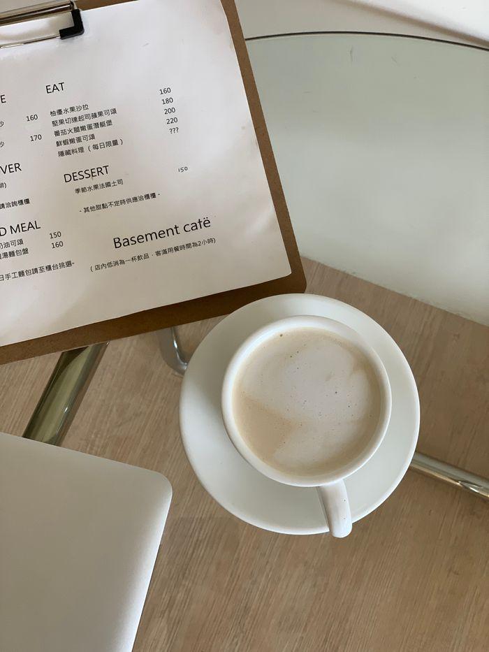 Basement Cafe/新竹韓系質感咖啡館/新竹公道五路推薦早午餐下午茶咖啡廳/紅茶鮮奶