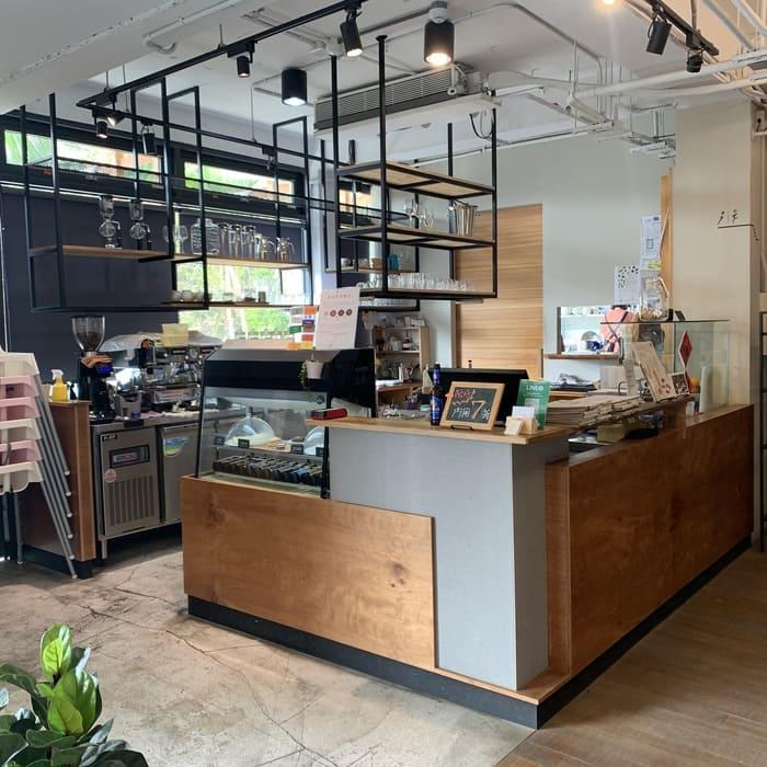 [新竹素食] 或者書店/或者蔬食/又是書店又是素食餐廳/竹北美食推薦/吧檯