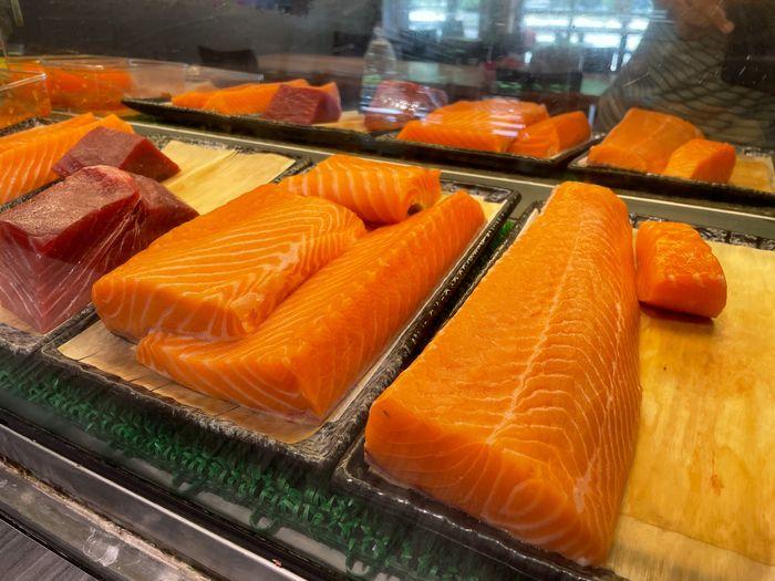 [新竹美食]魚町日式丼飯/東大路二段170號/超好吃鯖魚/推薦平價日式料理店/鮭魚生魚片