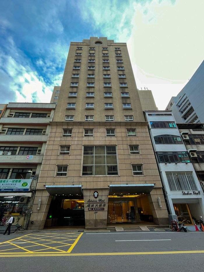 [新竹住宿] 煙波飯店都會一館/走路5分鐘到巨城/評價/停車/附近美食/外觀